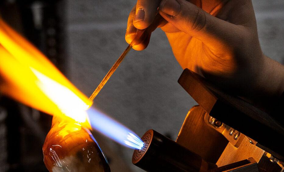 Glass-Elizabeth-Welch-Robin-Making